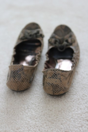 Simply Vera Vera Wang Chain Rings Faux Bronze/Light Brown Snakeskin Flats