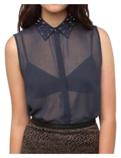 Preload https://item5.tradesy.com/images/urban-outfitters-blue-button-down-top-size-0-xs-10203589-0-1.jpg?width=400&height=650