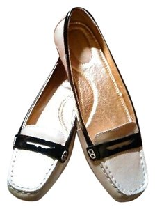 Sperry Leather Beige Flats