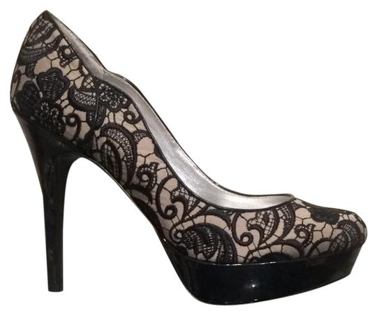 Preload https://item1.tradesy.com/images/guess-black-beige-lace-13300-pumps-size-us-10-regular-m-b-10203835-0-1.jpg?width=440&height=440