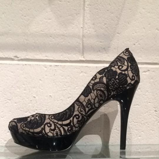 Guess Black Beige Lace Pumps Image 7