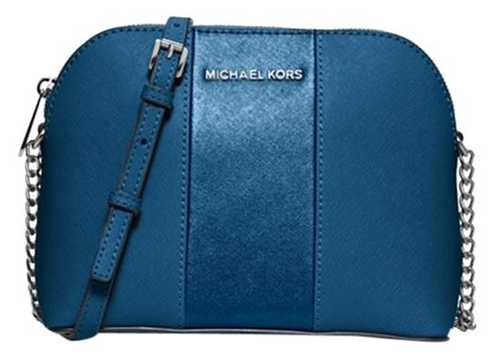 Preload https://item2.tradesy.com/images/michael-kors-jet-set-large-dome-ship-via-priority-mail-steel-blue-cross-body-bag-10204936-0-3.jpg?width=440&height=440