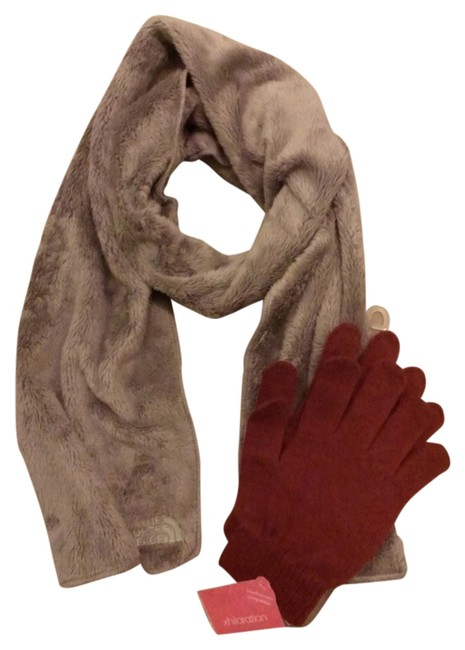 Item - Grey Denali Thermal and Xhilaration Touch Screen Gloves Scarf/Wrap