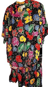 Oscar de la Renta Colorful outfit by Oscar de la Renta Sz L, floral/black background.