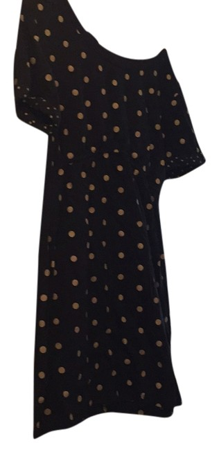 Preload https://item5.tradesy.com/images/forever-21-mini-short-casual-dress-size-14-l-10211794-0-1.jpg?width=400&height=650