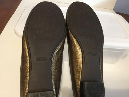 Coach Make an offer Bronze leather padded insoles leather lining strap buckle Flats