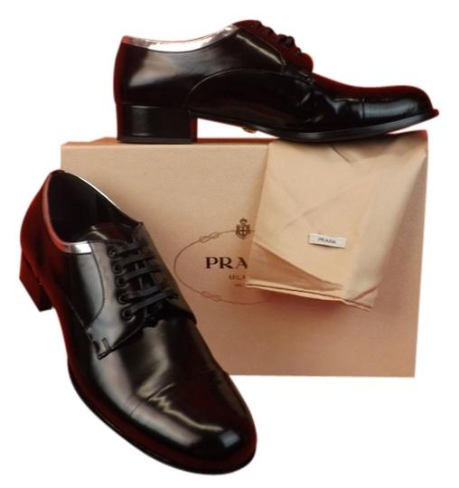 Preload https://item1.tradesy.com/images/prada-black-silver-leather-lace-up-cap-toe-oxfords-formal-shoes-size-eu-405-approx-us-105-regular-m--10217290-0-1.jpg?width=440&height=440