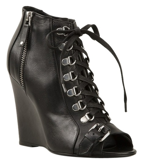 Preload https://item2.tradesy.com/images/diesel-black-gold-laceup-ankle-leather-bootsbooties-size-us-7-10220776-0-2.jpg?width=440&height=440