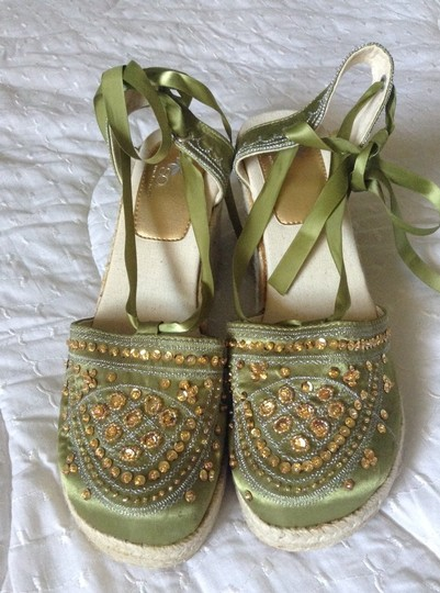 Social Occasions by Mon Cheri Espadrille New Never Worn Gold Sequins Gold Beading Green & Natural Wedges