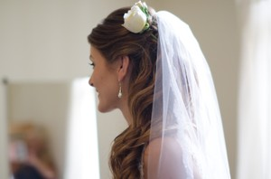 David's Bridal Single Tier Cathedral Veil With Lace Edging