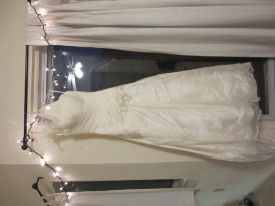 Bonny Bridal Ivory Organza 1211 Feminine Wedding Dress Size 2 (XS)