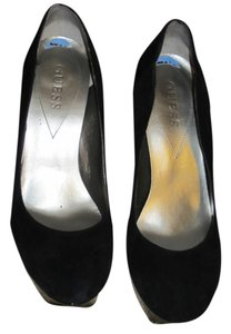 Guess Suede Patent Leather Black Pumps