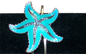 reb Bluegreen starfish bracelet with rhinestones