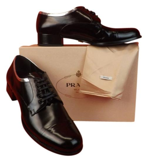 Preload https://item4.tradesy.com/images/prada-black-silver-leather-lace-up-cap-toe-oxfords-formal-shoes-size-eu-40-approx-us-10-regular-m-b-10229638-0-1.jpg?width=440&height=440