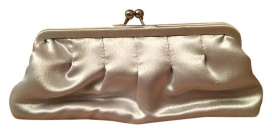 Preload https://item5.tradesy.com/images/la-regale-silver-satin-clutch-10230589-0-1.jpg?width=440&height=440