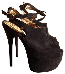 ShoeDazzle Blac Platforms