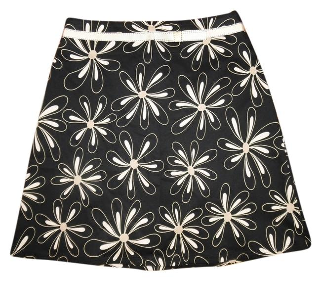 Preload https://item1.tradesy.com/images/black-ivory-gold-daisies-floral-bow-a-line-size-petite-4-s-10231990-0-1.jpg?width=400&height=650