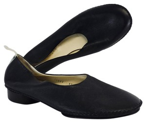 Bottega Veneta Black Leather Flats