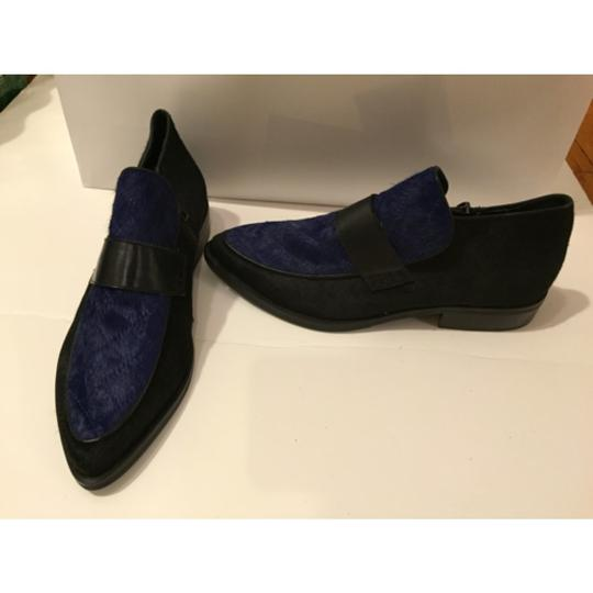 Steve Madden Black leather with Navy blue pony hair Flats