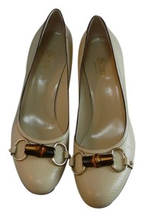 Gucci New 38.5 Chanel 38.5 Jimmy Choo 38.5 Manolo Blahnik 38.5 Prada 38.5 Beige Pumps