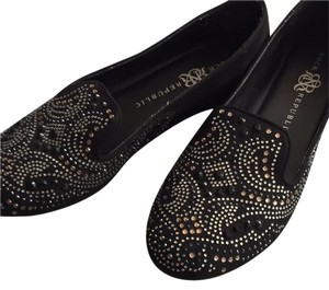 Rock & Republic Eye Catching Beading Soft Suede black Flats