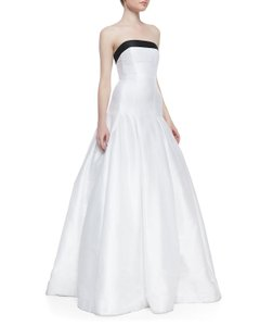 Monique Lhuillier 443208 Wedding Dress