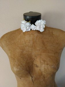 Men's Kentucky Derby Prom White Rosette Embellished Tie/Bowtie