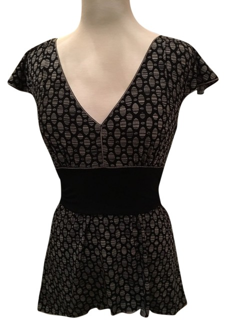Preload https://item2.tradesy.com/images/max-studio-black-and-white-blouse-size-4-s-10237636-0-1.jpg?width=400&height=650