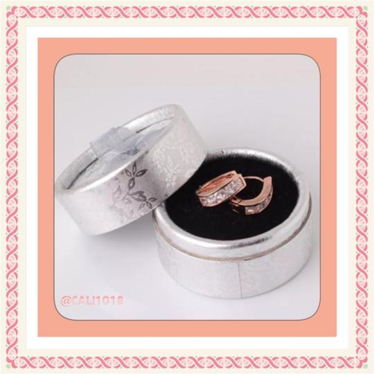 Private Collection Huggie; Hoop Style