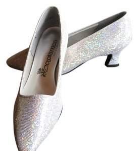 Coloriffics Brand New Silver Sparkle Pumps