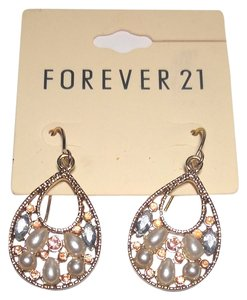 Forever 21 New Forever 21 Hoop Faux Pearl Peach Crystal Gold Tone 1 in. J1756