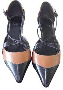 Cole Haan Black and chocolate brown Pumps