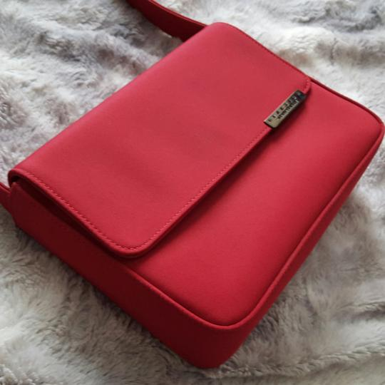 Preload https://item1.tradesy.com/images/kenneth-cole-vintage-purse-red-shoulder-bag-10242220-0-4.jpg?width=440&height=440
