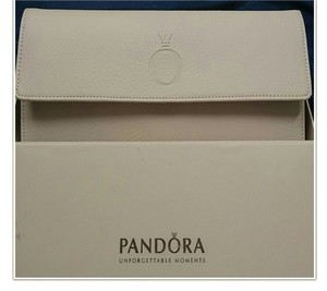 PANDORA Ivory Jewelry Travel Case