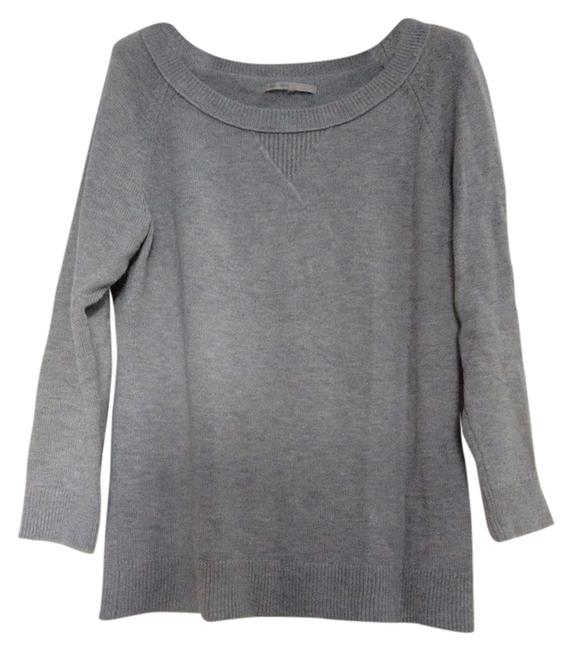 Preload https://img-static.tradesy.com/item/10242655/gap-grey-studio-sweaterpullover-size-8-m-0-1-650-650.jpg