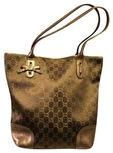 Gucci Tote in Gold Logo