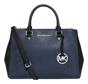 Michael Kors Hobo Luggage Leather Sutton Saffiano Leather Satchel in Navy/Black