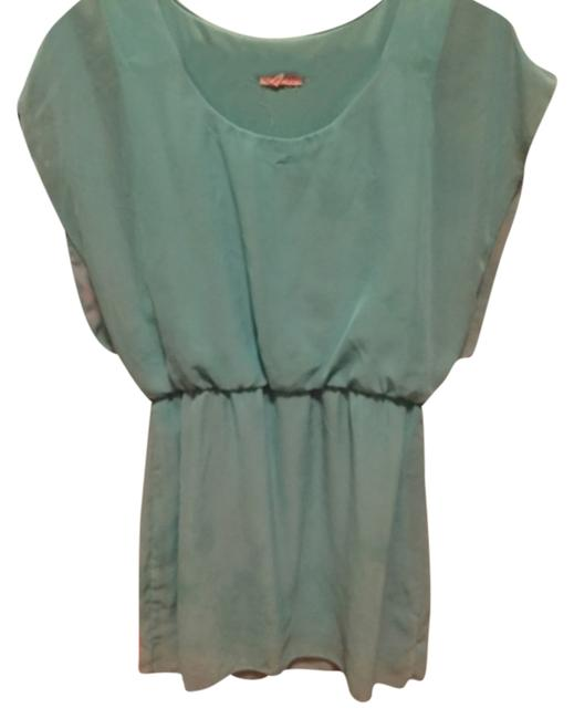 Preload https://item5.tradesy.com/images/blue-above-knee-short-casual-dress-size-8-m-10247104-0-1.jpg?width=400&height=650