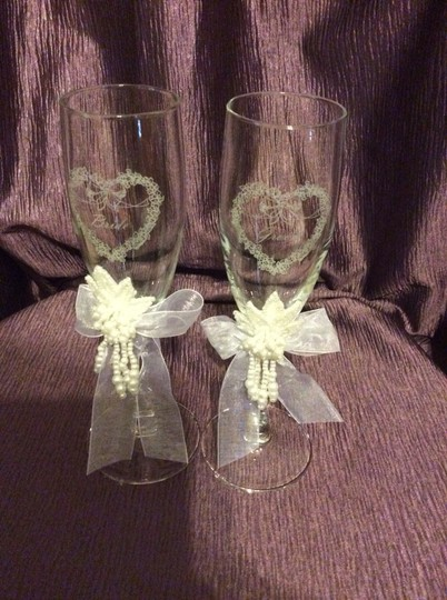 Clear Bride Groom Champagne Flutes