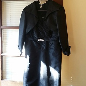 Jade Couture Black Polyester . Formal Bridesmaid/Mob Dress Size Petite 12 (L)