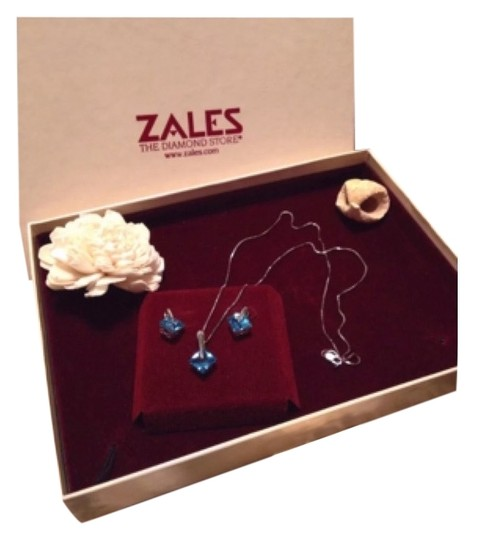 Preload https://item5.tradesy.com/images/zales-necklace-10247959-0-1.jpg?width=440&height=440