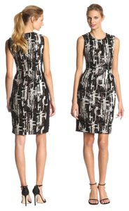 BCBGMAXAZRIA Sleeveless Sequin Fitted Dress