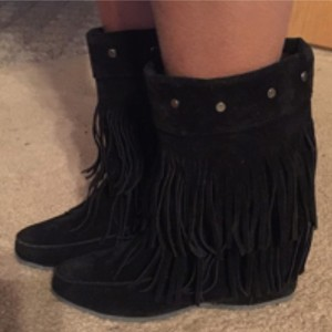 Moccasin Inspired Blac Boots