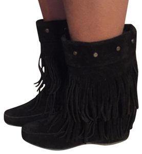 Mocassin Inspired Blac Boots