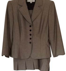 T Tahari Pleated Skirt Suit