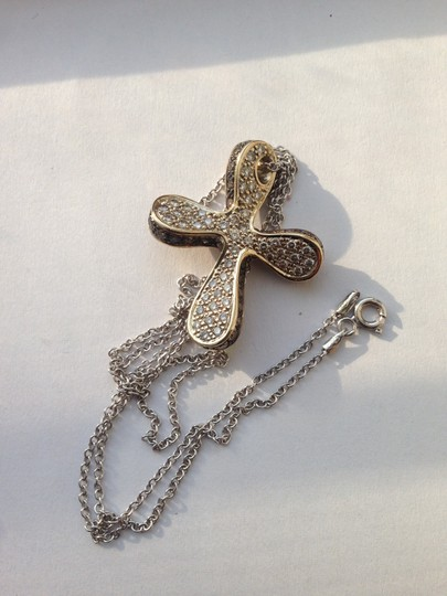 18k White gold diamond cross Very Fashionable Designer cross pendant