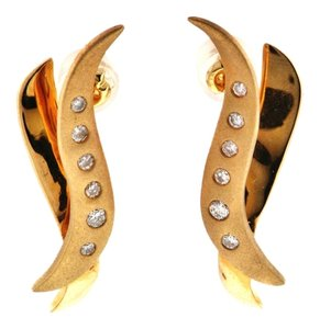 MUST SEE - STEAL 14k gold & diamond flush-set matte earrings from a high end retail store