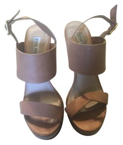 Steve Madden Tan and Off White Wedges
