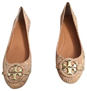 Tory Burch Ballet New In Box Brand New Tan Flats