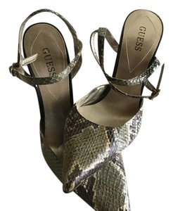 Guess Grey, white, and green leather snake skin Pumps